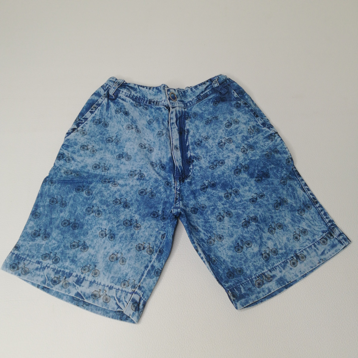 Short bleu à dessins - photo 6