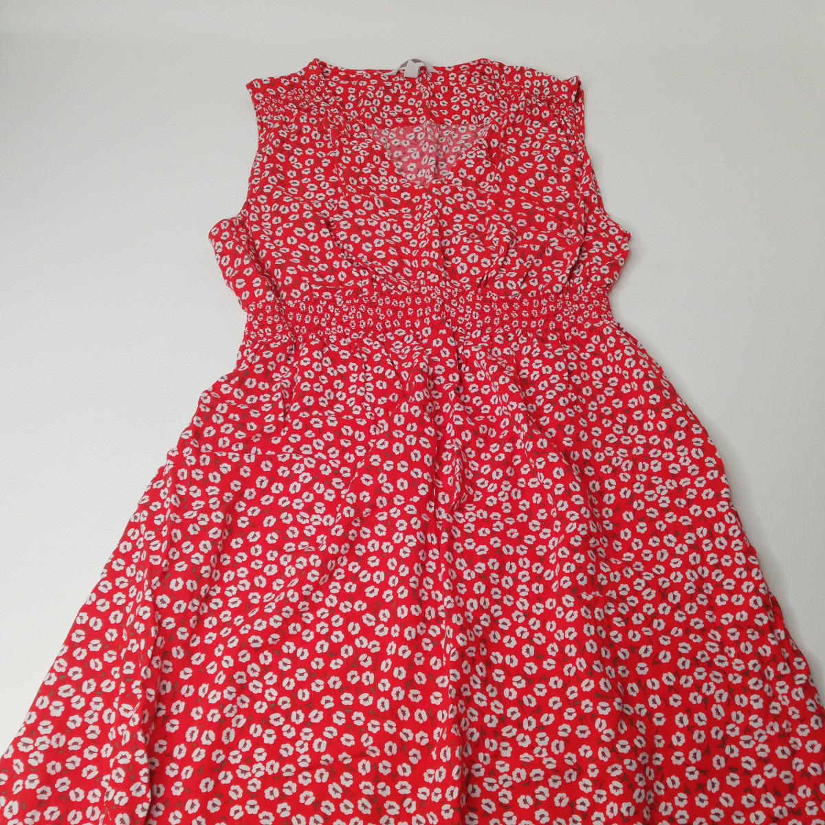 Robe rouge fleurie Taille M - photo 6